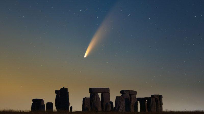 Comet Neowise over Stonehenge, July 14, 2020 [apod.nasa.gov]